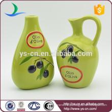 YSov0005-0 Mão impressão verde vidrada garrafa de vinagre de óleo com ramo de oliveira