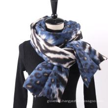 Wholesale High Quality Stylish Women Winter Outdoor Super Soft Cashmere Leopard Stripe Shawl Scarf