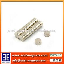 Industrieller Magnet Anwendungsscheibe Gesinterter Neodym-Magnet für Kleidung / vernickelt kleiner runder Magnet für Tasche
