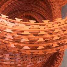 Gulung panas galvanized shaving wire blade fencing coils