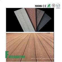 Decking composto de madeira exterior impermeável do plástico UPVC da Co-extrusão