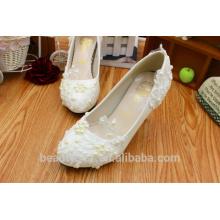 Robe robe de mariée blanche à talons hauts en gros la nouvelle chaussure de mariage en dentelle de mariage PU chaussure de mariée WS018