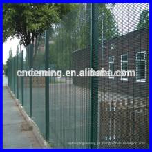"""Prison Mesh """"V"""" Beam Fence"""