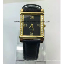 Relógio promocional de pulso pequeno em ouro com pulseira de couro