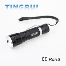 Lampe de poche à LED brillant rechargeable en aluminium