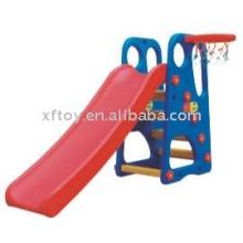 Многофункциональный слайд для игр на открытом воздухе