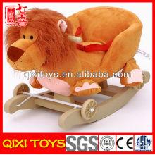 Megáfono modificado para requisitos particulares regalo promocional felpa mecedora león con ruedas