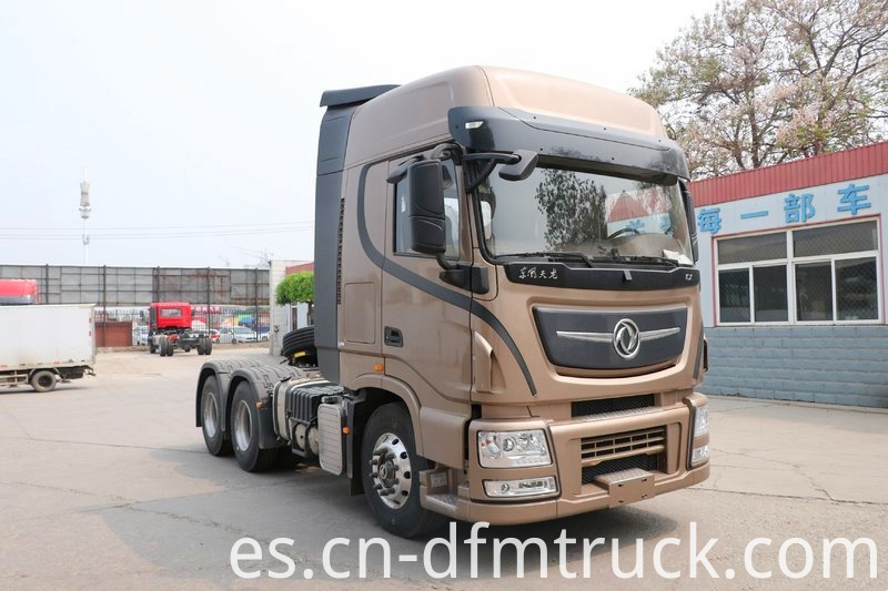 Dongfeng Commercial Vehicle KX 560HP 6X4 Tractor Truck