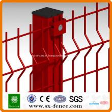 Clôture en treillis métallique soudé enduit de PVC