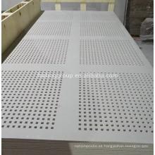 Pánel de yeso perforado acústico tablero de aislamiento de yeso