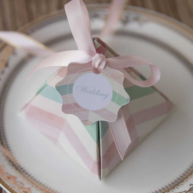 Luxury pyramid candy box for wedding