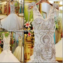 Nouvel arrivé V-neckline lourd perlé bon marché sirène bling robe de mariée CWF1817