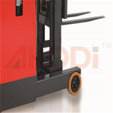 Electric Reach Forklift Truck