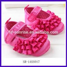 SR-14SS017 2014 zapatos de bebé color de rosa rojos 0 3 meses forman los zapatos de bebé de adornamiento lisos planos los nuevos zapatos de bebé de las muchachas 2014