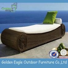 Luxury Elegance PE Rattan and Aluminum Sun Lounger