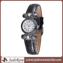 Nuevo estilo de restauración Reloj de aleación Reloj de mujer