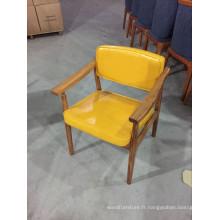 Chaises de restaurant en bois massif rembourrées en cuir de couleur jaune