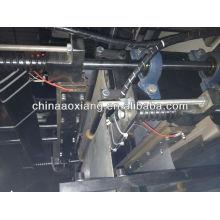 Control de computadora rodando camiseta y bolsa plana que hace la máquina bolsa de cremallera que hace la máquina
