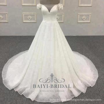 V-Ausschnitt langen Schwanz 2018 Schulterfrei für Mädchen Brautkleider Hochzeitskleid