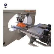 Machine de poinçonnage de trou de plaque d'acier de commande numérique par ordinateur