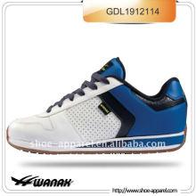 nuevos zapatos cómodos para caminar