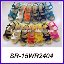 Sandalias planas del pvc de la luz las sandalias planas nuevas planas sandalias planas