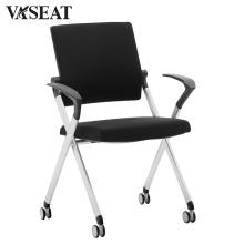 Metallrahmen, der Stuhl stapelt