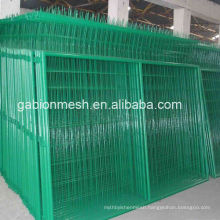 High quality Black welded wire mesh fence panel/pvc coated welded wire mesh fence