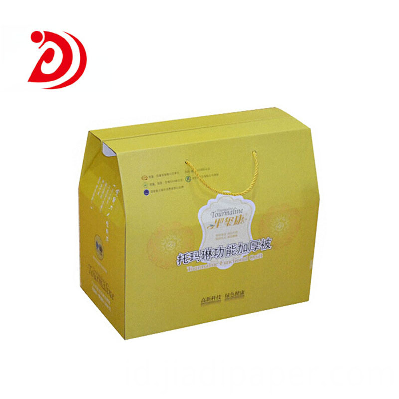 Carton box with handle