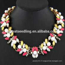 Collier en perle et collier en perle