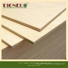 Contreplaqué qui respecte l'environnement de mélamine de noyau de bois dur de la colle E0 pour Dubia