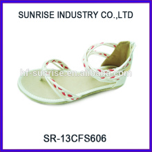 SR-13CFS606 2014 Sandalias hermosas baratas de la venta caliente para las sandalias de las muchachas para las sandalias lindas de los pies planos para las muchachas