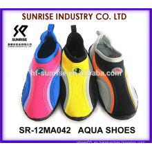 SR-12MA042 Los zapatos populares del agua de los zapatos de la aguamarina de los hombres calzan los zapatos al por mayor del agua
