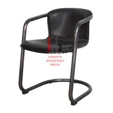 Chaise de bureau en cuir noir