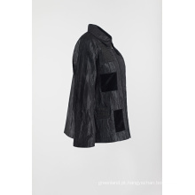 Casaco preto remendado casual no casaco de rugas