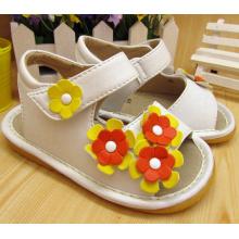 Drei Kleine Blumen Baby Quietschen Sandalen