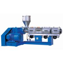Machine d'extrusion pour les ruptures thermiques