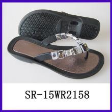 La manera joven del zapato de la sandalia de la playa de la manera del nuevo diseño calza el zapato de acrílico