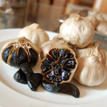 Buon gusto Fermented Black Garlic 6 Cm Bulbs