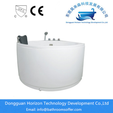 Triangle deepened freestanding corner tub