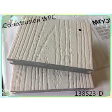 A superfície do plástico cobriu o Decking composto tampado durável do Anti-Risco de madeira