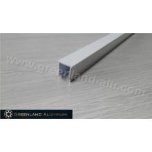 Вертикальная направляющая для слепых алюминиевых профилей