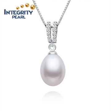 White Color Girls Love Freshwater Pearl Pendant 9-10mm AAA Rice Pearl Pendant