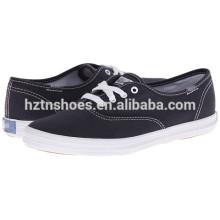 China Fábrica de sapato de lona por atacado Mulher de grande porte sapatos casuais