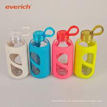 Popular de transferencia de calor de impresión personalizada botella de agua de vidrio con manga de silicona