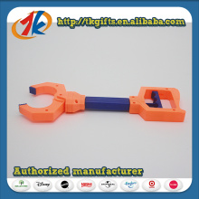 China Wholesaler Plastic Robot Claw Grabber Toy