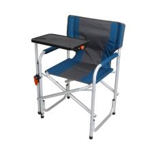 Blauer Regiestuhl aus Aluminium mit drehbarem Schreibtisch