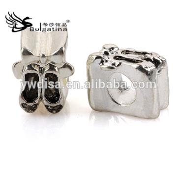Schuh-Form-Metallkorne mit antikem Silber überzog Großhandelsmetallperlen 2014 Neue Ankunft