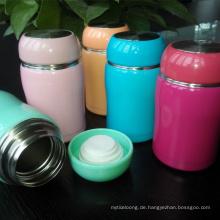 Umweltfreundlicher Kaffee-Tee-Cup-Bowling isoliert