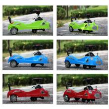 Twist Car avec musique et lumière clignotante, Baby Swing Car
